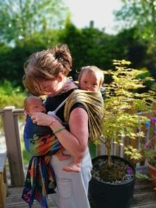 Tandem babywearing with woven wraps